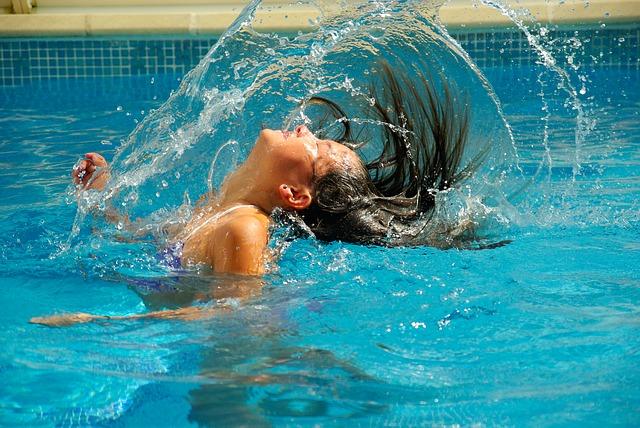 Como manter sua piscina no Verão