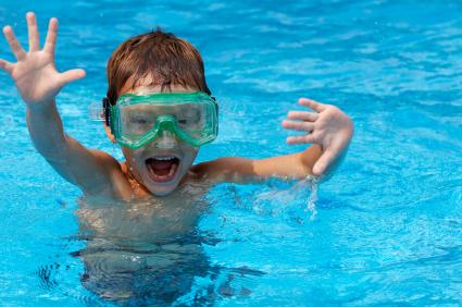 Mantenha sua piscina segura para as crianças