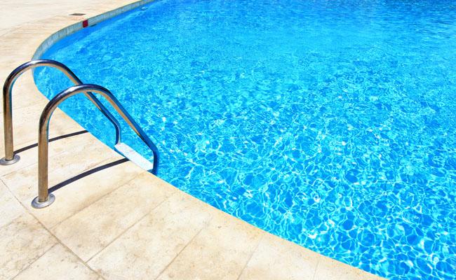 Como manter a piscina ajustada e pronta pra um mergulho?