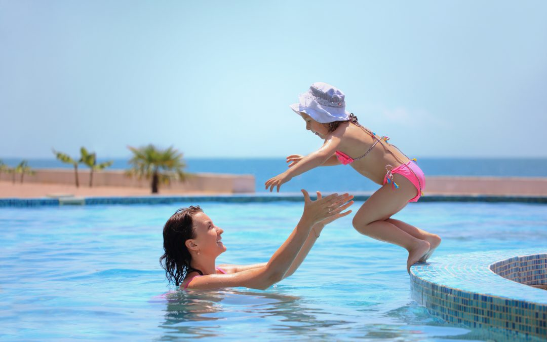 Qual o efeito do cloro na piscina?