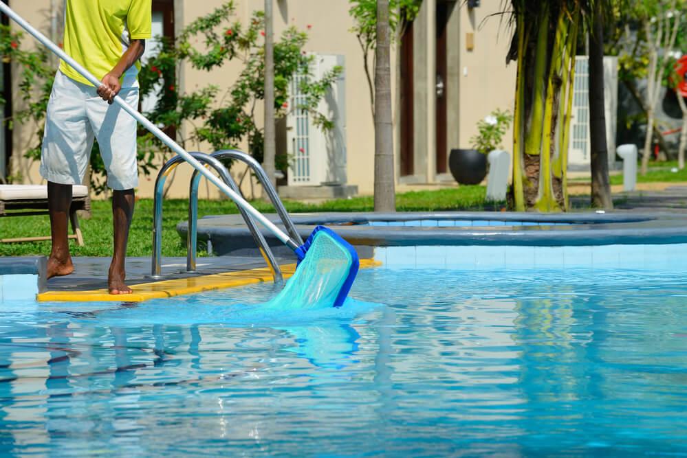Como cuidar da piscina