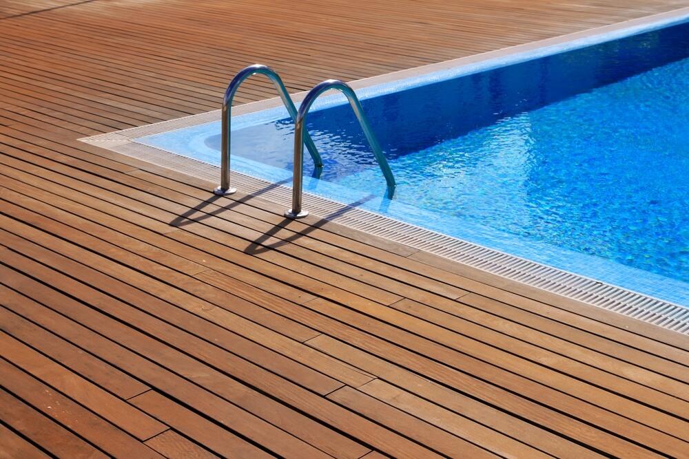 Como encontrar e resolver vazamentos na piscina?