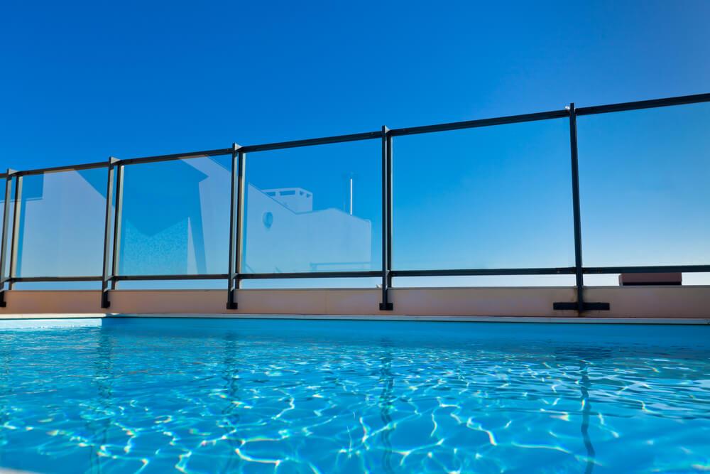 Manutenção de piscinas em prédios