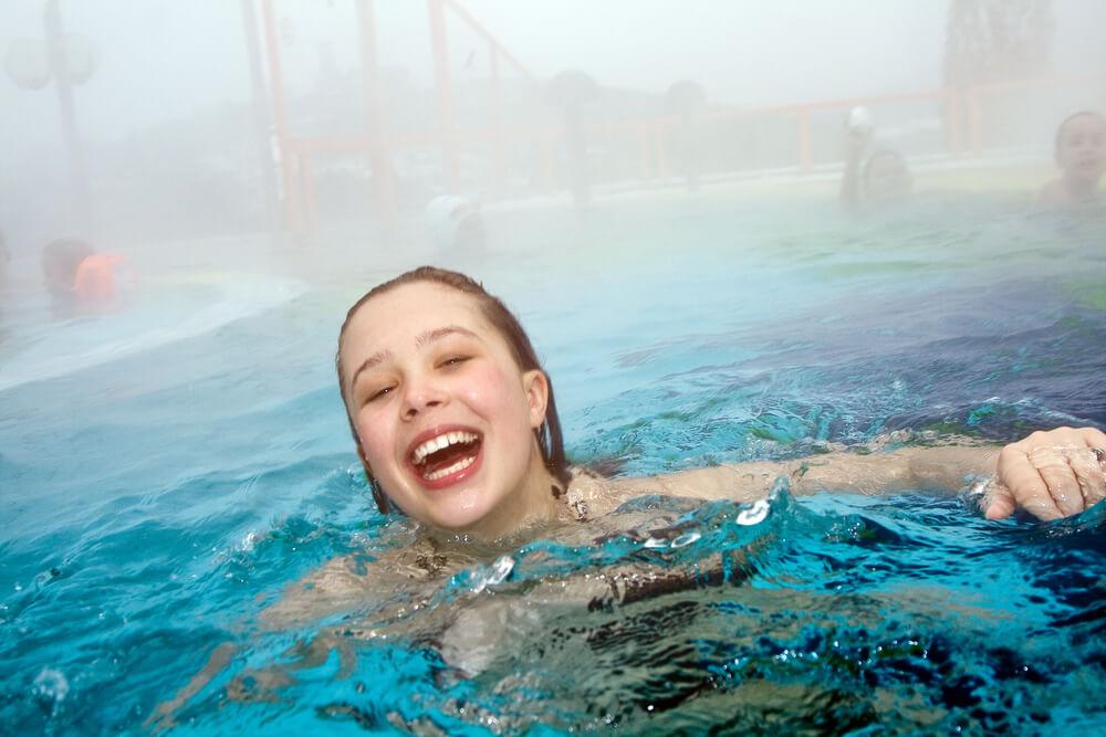 Como funciona o tratamento para piscina aquecida?