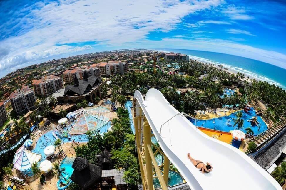 Conheça 7 parques aquáticos brasileiros e suas principais atrações