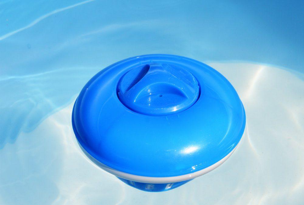 O que é um clorador e por que a piscina precisa de um?