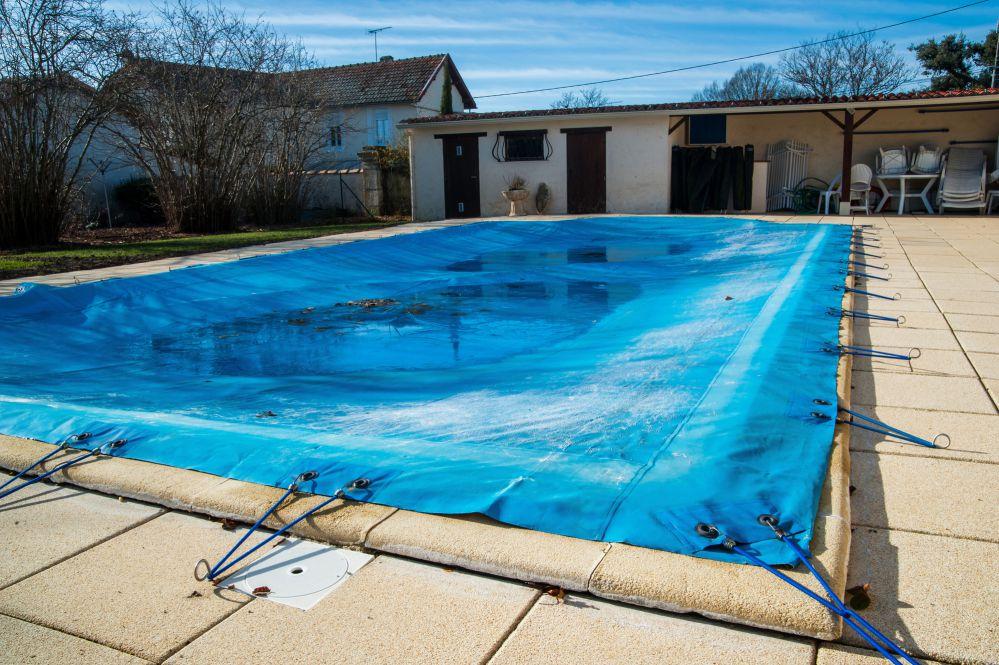 Capa t rmica para piscina quando usar pool rescue for Material para piscina