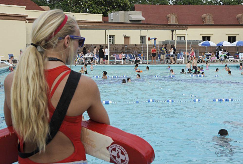 Como terceirizar o serviço de guardião de piscina?