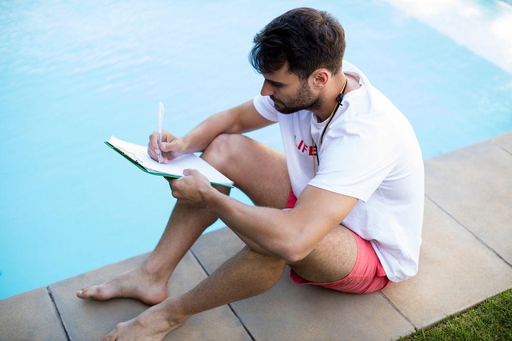 Como manter a segurança em piscinas de condomínio?