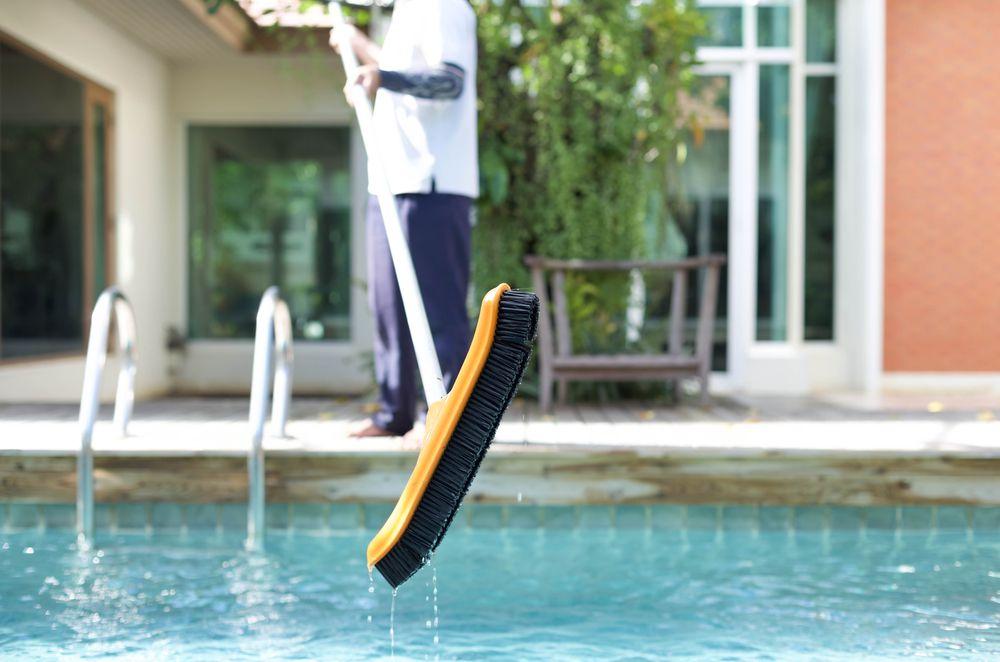 4 vantagens de terceirizar a manutenção de piscinas para clubes e academias