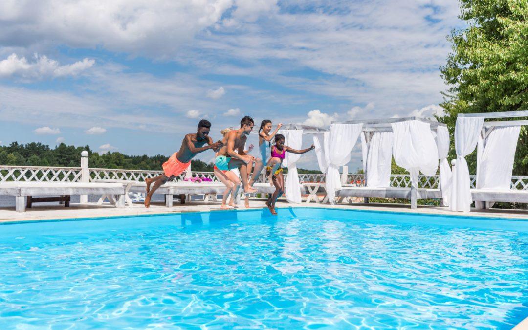 Saiba qual é a frequência ideal da manutenção de piscina coletiva