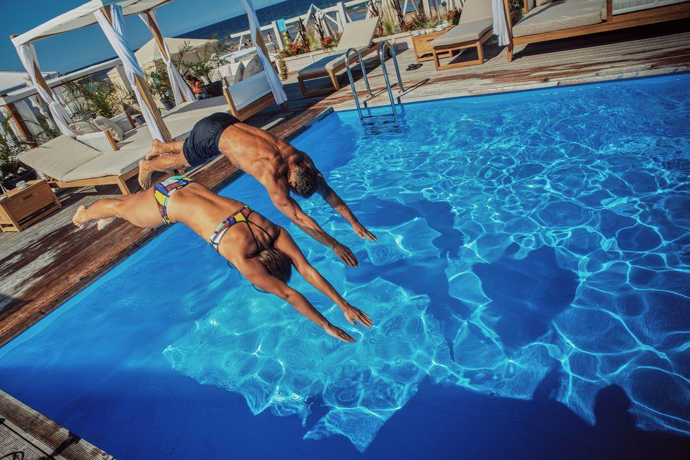Saúde e bem-estar: veja 4 vantagens de manter a piscina limpa