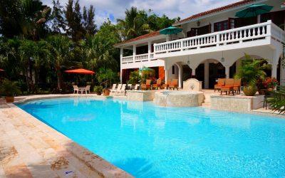 Qual o melhor formato de piscina para minha casa?