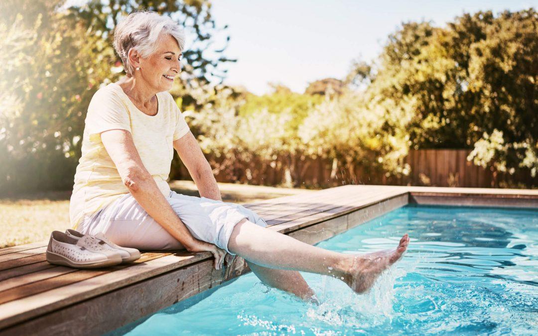 Saiba quais os cuidados que é preciso ter com idosos na piscina